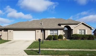 Xenia Single Family Home For Sale: 916 Orville Way