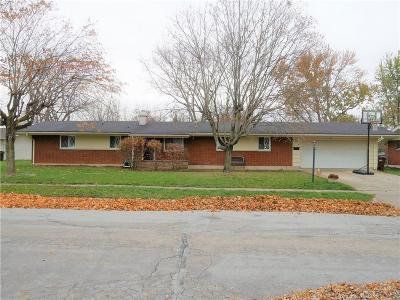 Trotwood Single Family Home Active/Pending: 713 Eppington Drive