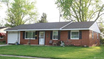 Xenia Single Family Home Active/Pending: 2831 Wyoming Drive