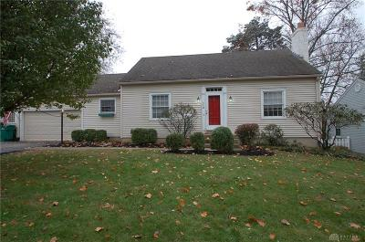 Kettering Single Family Home For Sale: 112 Carrlands Drive