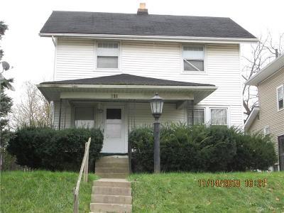 Dayton Single Family Home For Sale: 216 Fairview Avenue