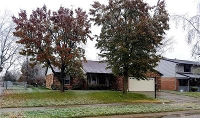 Dayton Single Family Home For Sale: 8821 Emeraldgate Drive