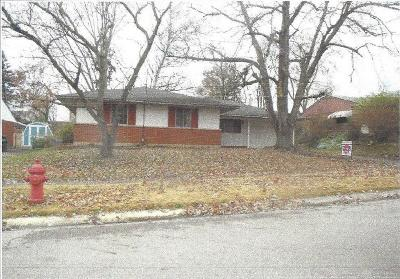 Huber Heights Single Family Home Active/Pending: 6827 Hubbard Drive