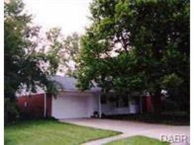 Dayton Single Family Home Active/Pending: 3517 Ascot Court