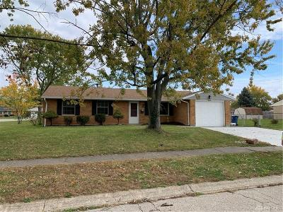 Dayton Single Family Home For Sale: 6601 Summerdale Drive