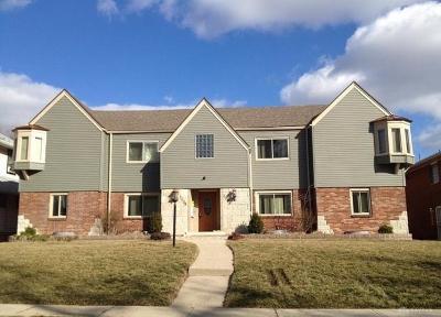 Dayton Multi Family Home Active/Pending: 2038 Emerson Avenue