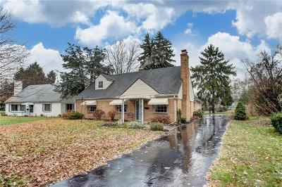 Kettering Single Family Home For Sale: 724 Oakview Drive