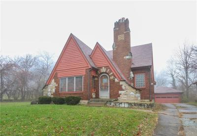 Dayton Single Family Home For Sale: 257 Melford Avenue