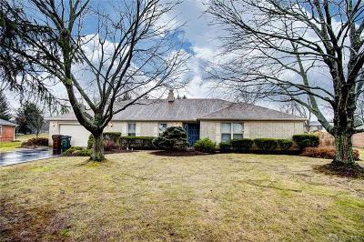 Dayton Single Family Home Active/Pending: 1522 Roamont Drive