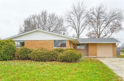 Fairborn Single Family Home For Sale: 1361 Maple Avenue