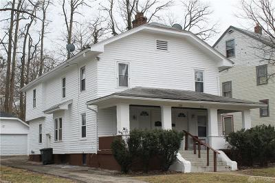 Dayton Multi Family Home For Sale: 220 Parkwood Drive