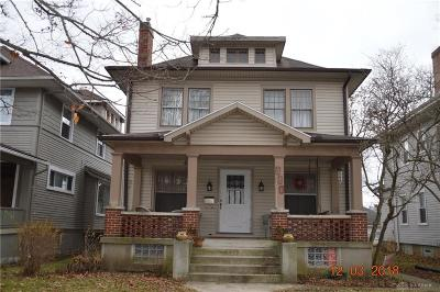 Single Family Home Pending/Show for Backup: 830 Manhattan Avenue
