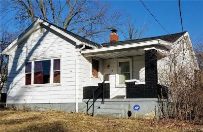 Middletown Single Family Home For Sale: 9 Burton Road