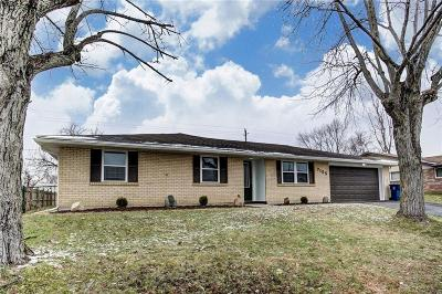 Dayton Single Family Home For Sale: 7155 Chadbourne Drive