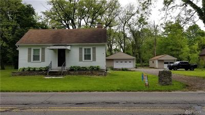 Dayton Single Family Home For Sale: 5885 Salem Bend Drive