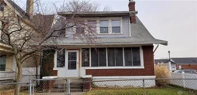 Dayton Single Family Home For Sale: 32 Findlay Street