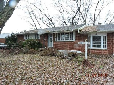 Fairborn Single Family Home For Sale: 1833 Bordeaux Drive