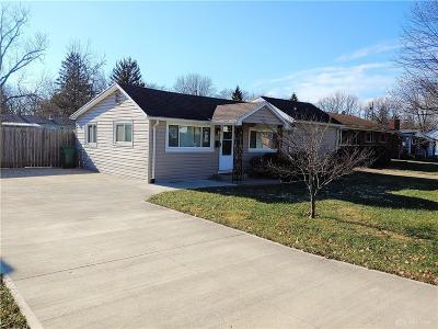 Kettering Single Family Home For Sale: 1420 Barton Avenue