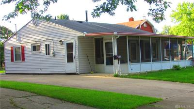 Dayton Single Family Home For Sale: 7025 Bobolink Place