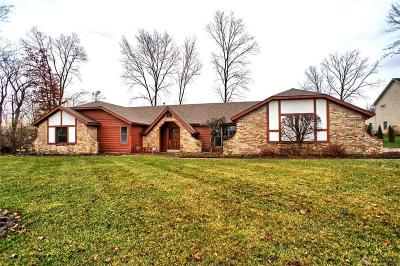 Tipp City Single Family Home For Sale: 7515 Whispering Oaks Trail