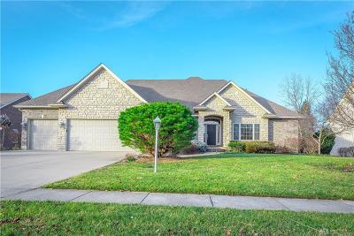 Dayton Single Family Home For Sale: 8827 Winston Farm Lane