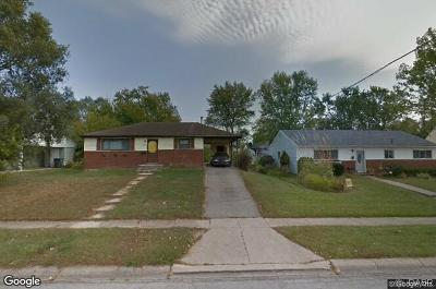 Dayton Single Family Home For Sale: 4932 Hackett Drive