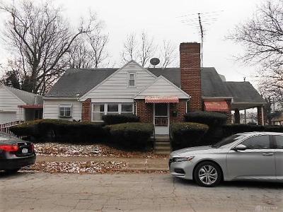 Dayton Single Family Home For Sale: 440 Truman Court