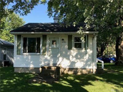 Dayton Single Family Home For Sale: 6724 Pyramid Avenue