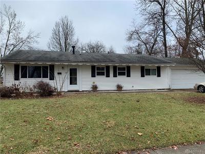 Fairborn Single Family Home For Sale: 26 Sunburst Drive