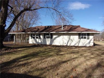 Kettering Single Family Home For Sale: 833 Kenosha Road