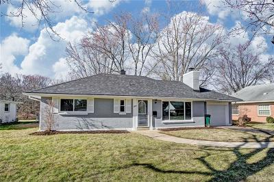 Dayton Single Family Home For Sale: 3825 Kenwick Drive