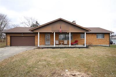 Dayton Single Family Home For Sale: 3900 Reinwood Drive