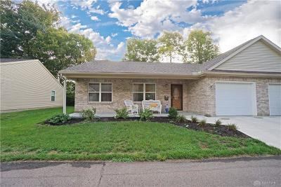 Springboro Single Family Home For Sale: 89 Locust Drive