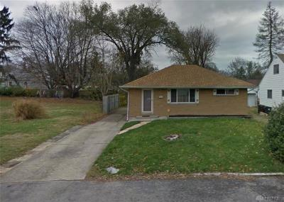 Dayton Single Family Home For Sale: 23 Swallow Drive