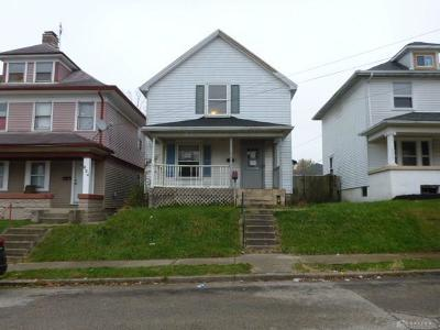 Dayton Single Family Home For Sale: 636 Pritz Avenue