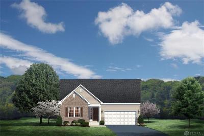 Fairborn Single Family Home For Sale: 224 Regatta Park Drive