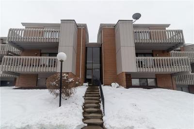 Dayton Condo/Townhouse For Sale: 1120 Eagle Feather Circle #D
