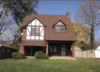 Dayton Single Family Home For Sale: 415 Alameda Place