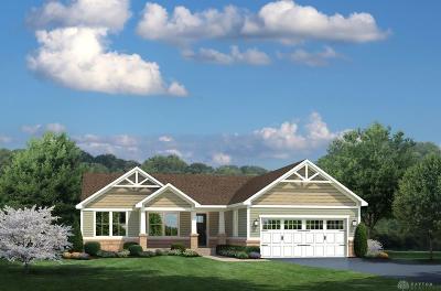 Fairborn Single Family Home For Sale: 263 Regatta Park Drive