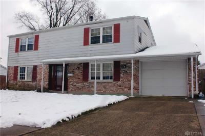 Dayton Single Family Home For Sale: 5930 Lancer Court