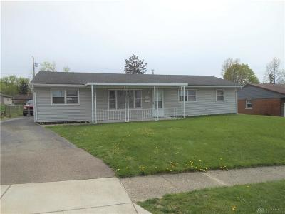 Kettering Single Family Home For Sale: 2902 Vale Drive