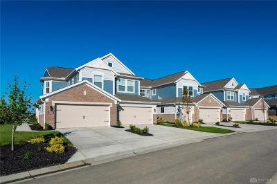 Springboro Condo/Townhouse For Sale: 110 Rippling Brook Lane #9-204