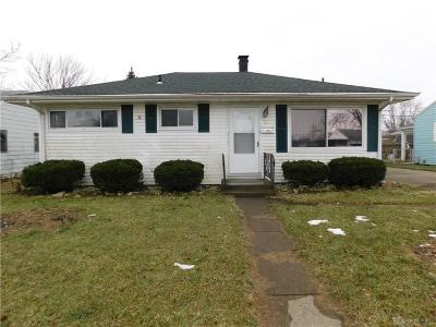 Fairborn Single Family Home For Sale: 20 Rowland Drive