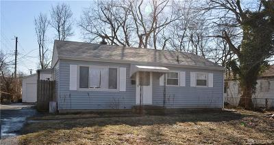 Dayton Single Family Home For Sale: 5248 Ferngrove Drive