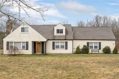 Dayton Single Family Home For Sale: 7821 Dog Leg Road