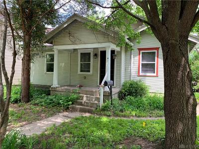 Kettering Single Family Home For Sale: 2228 Avalon Avenue