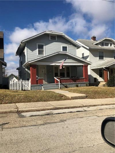Dayton Single Family Home For Sale: 112 Iroquois Avenue