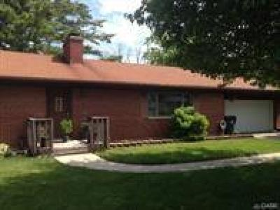 Dayton Single Family Home For Sale: 3555 Maxton Road