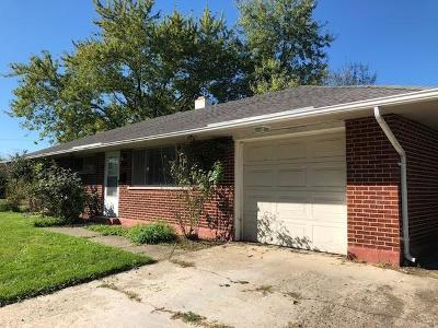 Dayton Single Family Home For Sale: 4450 Lambeth Drive