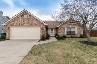 Huber Heights Single Family Home For Sale: 6670 Deer Meadows Drive